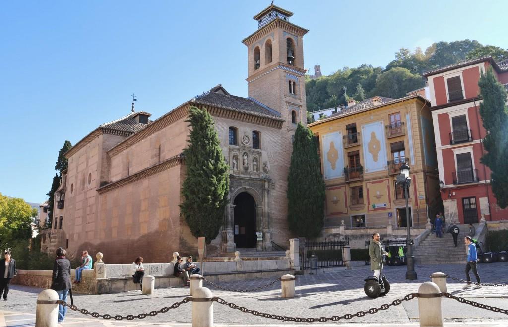 The Church of Santa Ana between Plaza Nueva and Carrera del Darro