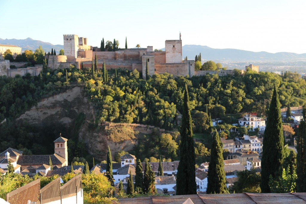 Early evening we take a taxi to the Albaicin area of Granada