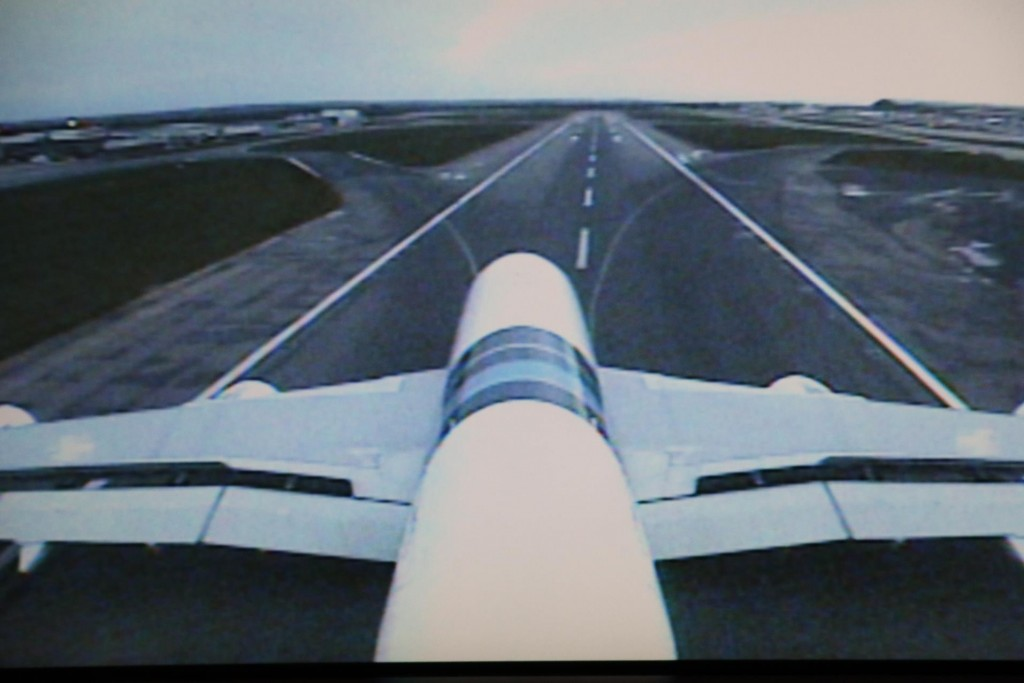 From the video-cam set up on the tail of the aircraft we can view the landing of the giant A380