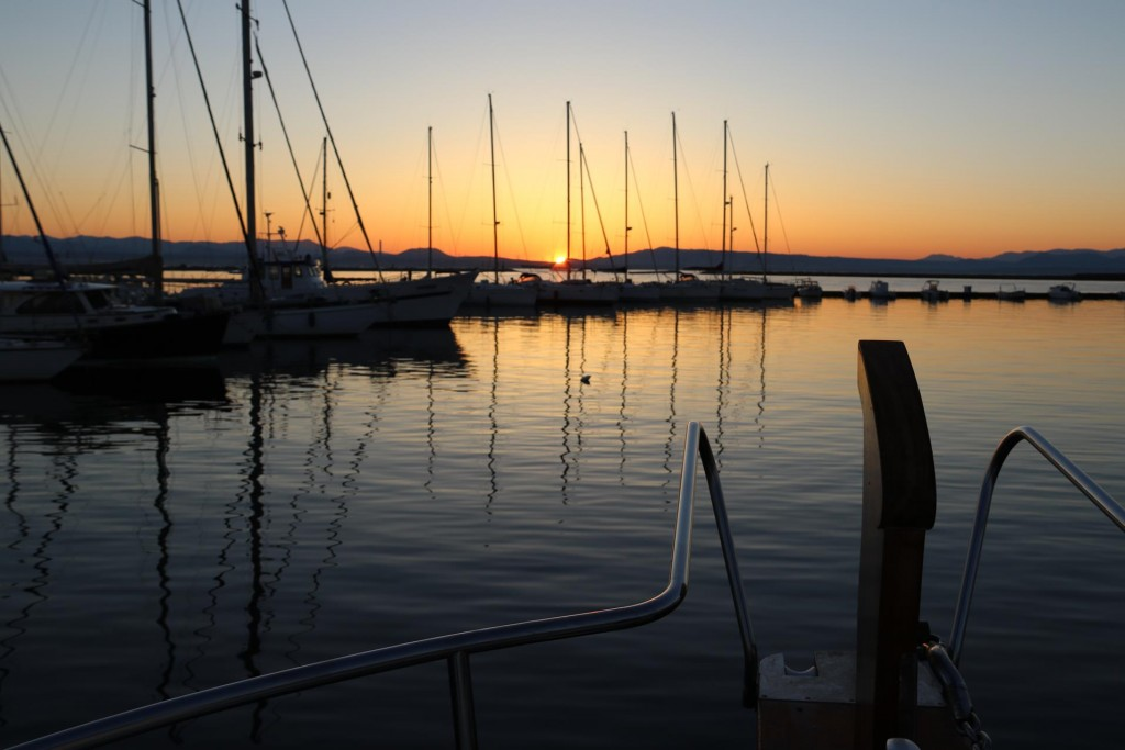 Once again we depart a marina just as the sun starts appearing