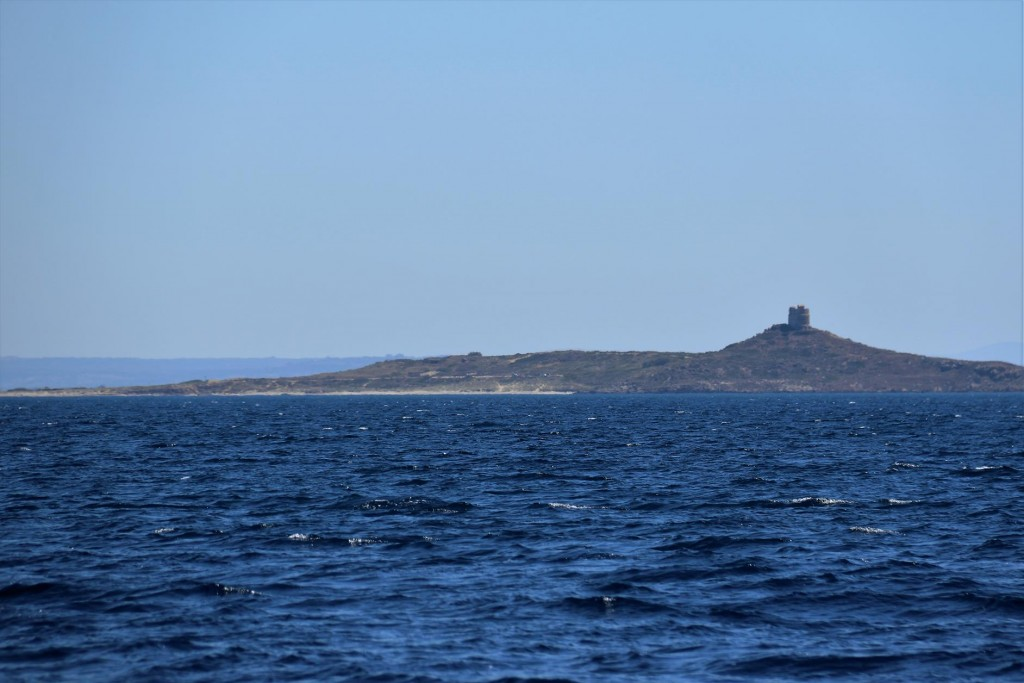 As we continue up the coast we pass the Golfo di Oristano and the ancient site of Tharros, which we visited recently