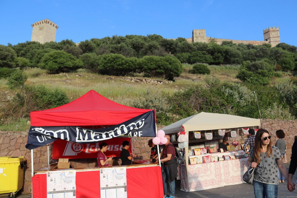 The Festa was set up on the inclining road which leads to the castle that overlooks the town