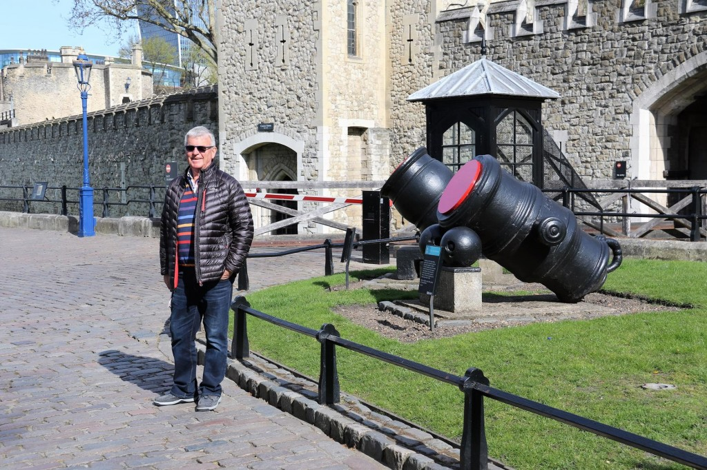 Ric by the entrance to the Tower of London