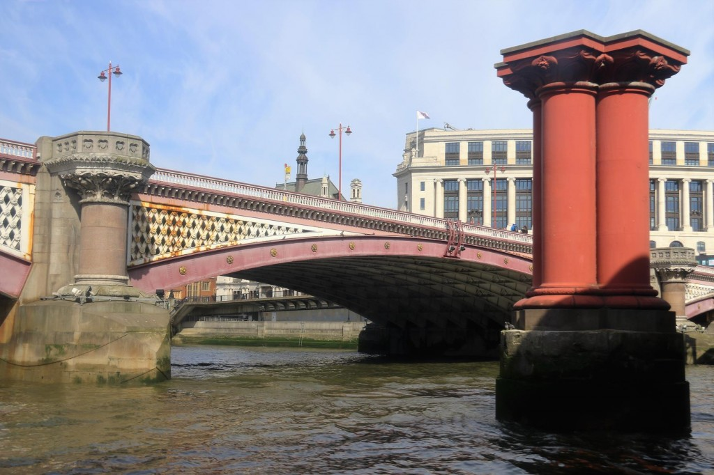 Blackfriars Bridge is one of many bridges over the Thames west of the famous Tower Bridge