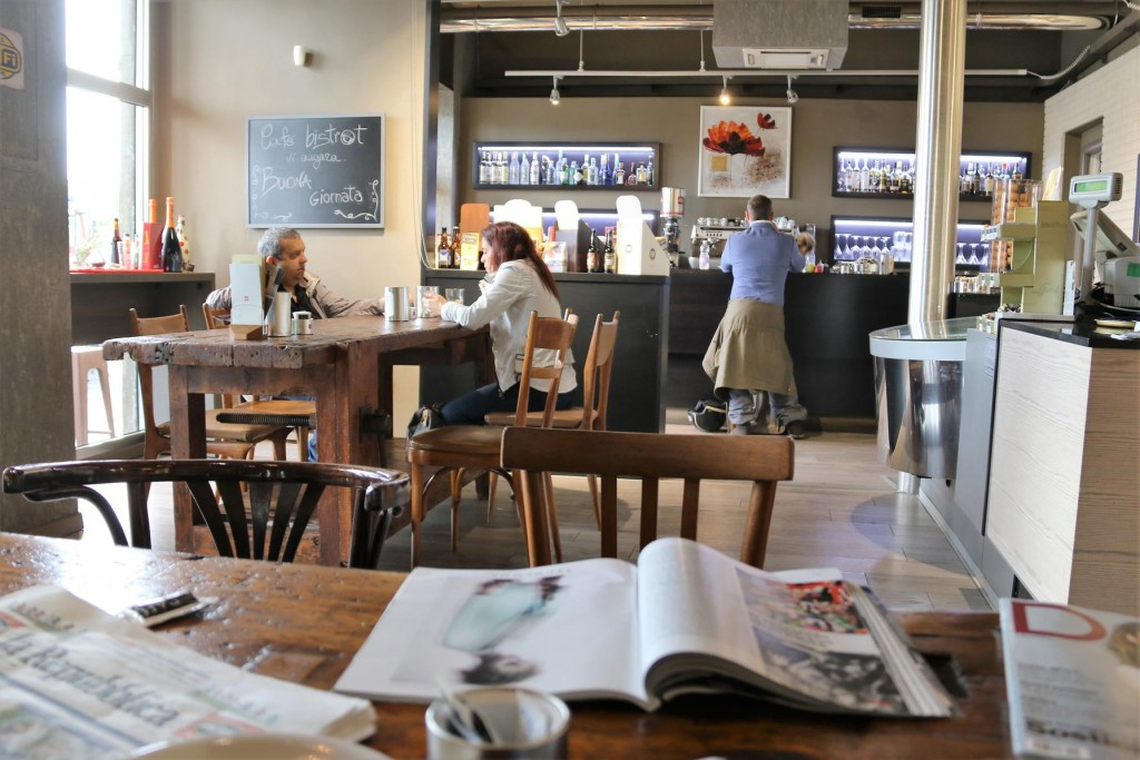 After departing Marina di Capitana we stopped in Cagliari for a coffee at the trendy CafeBistrot