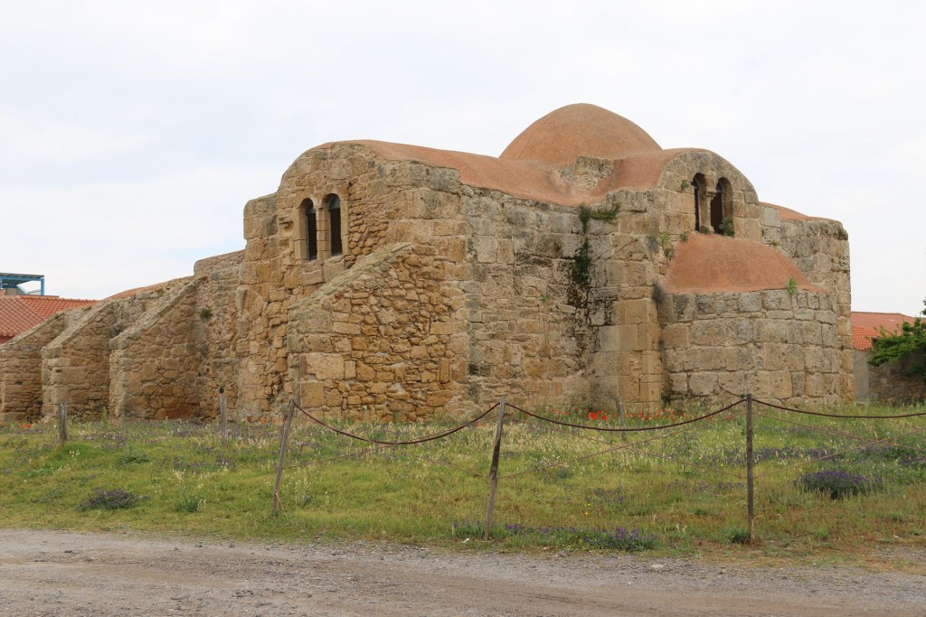 Close to ancient Tharros is the 2nd oldest church in Sardinia, the 6th Century sandstone Chiesa di San Giovanni