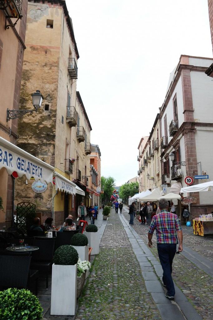 We have a quick look around the town before continuing on to Alghero, as we plan to come back to Bosa with the boat