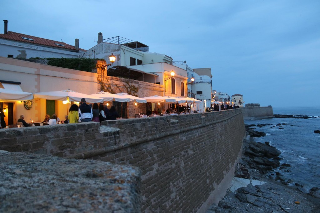 For dinner we will try  a restaurant along  the seawall