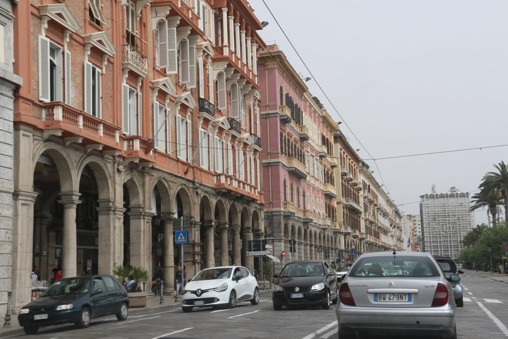 Back on Via Roma, it is time to leave Cagliari and head home to the marina