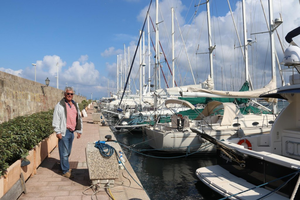We go and have a look at one of the other marinas in the port