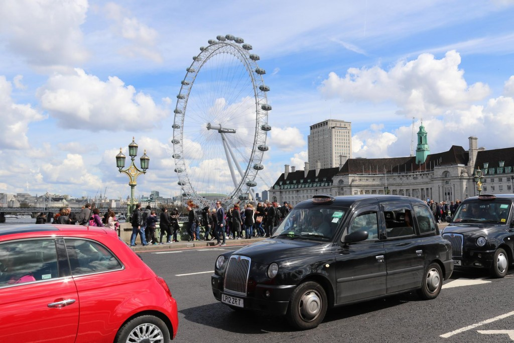 The London Eye certainly is never missed on anyone's photo collection
