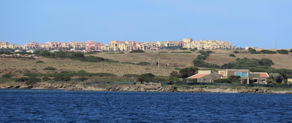 A reasonably new holiday development has views to both sides of the narrow north west point of the island