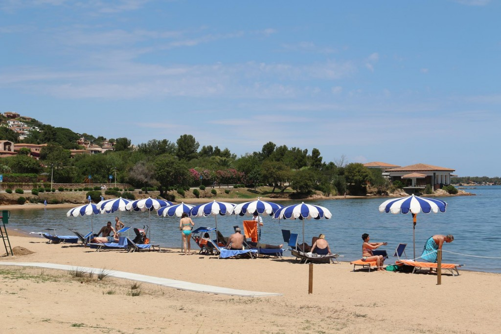 Just north of the the town centro there is small beach which is popular for the locals and visitors