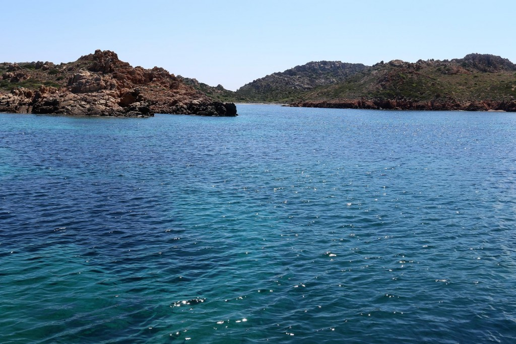 We motor south east to Isola Rizzoli one of the La Maddelena Islands and enter the unspoilt Carla Lunga on the western coast