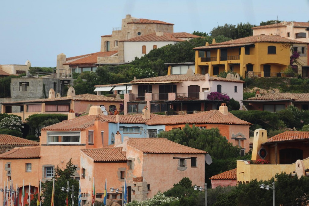 Lovely homes and holiday houses nestle around the hills of Porto Cervo
