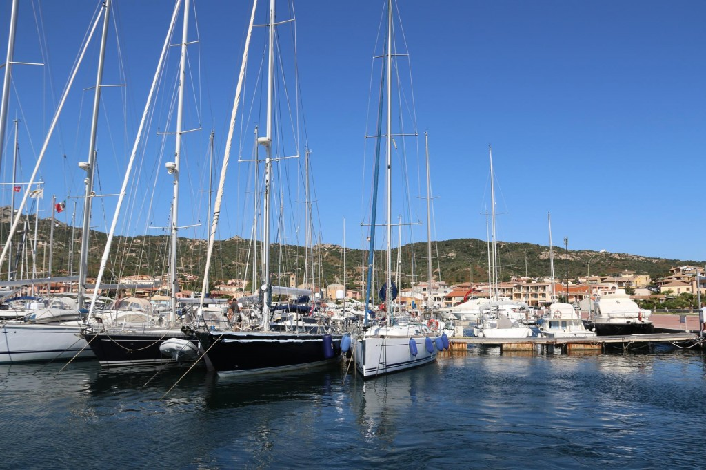 We depart the Cannigione port once again and plan to return when our new boat batteries arrive from Milan