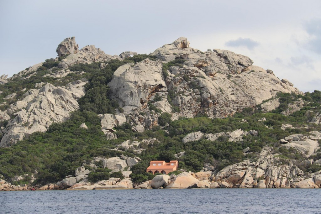 Houses have been built into the rocks and is only accessible by boat