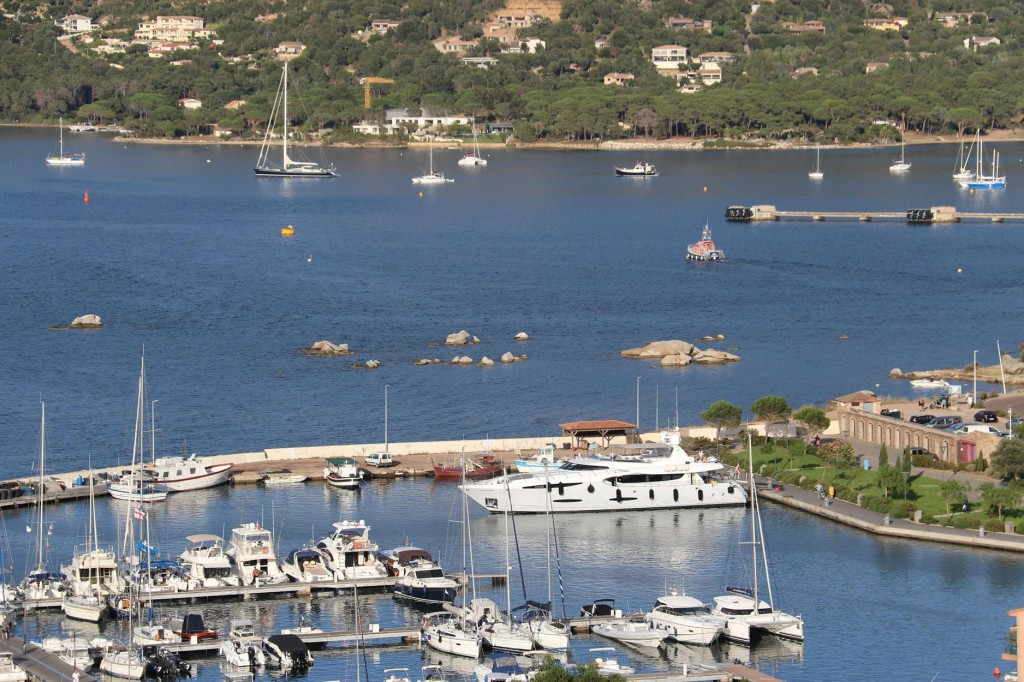 There are panoramic views over the marina, sea and enclosing valley from the Porte Genoise gate