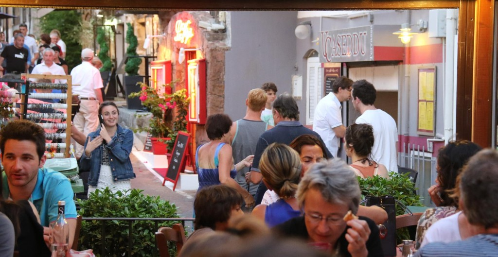 This little area by the restaurant became very busy as the night went on as the local talent played their music