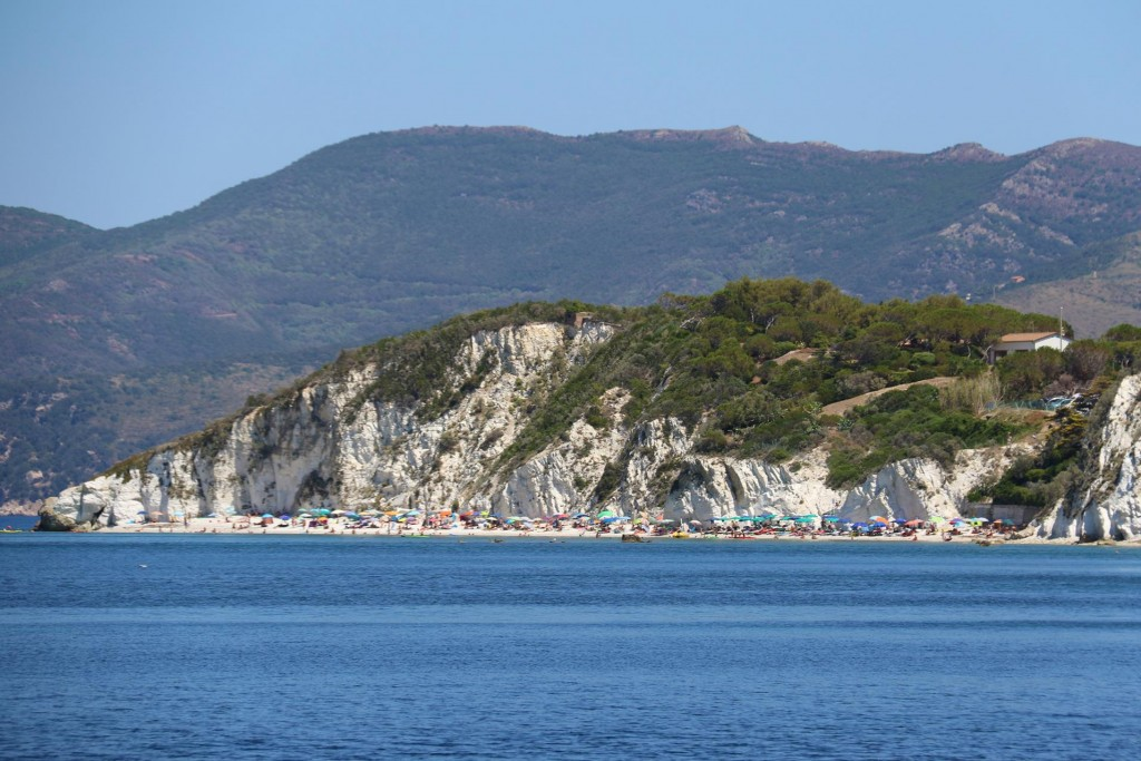 Later in the afternoon we head back to Portoferraio passing Capo Bianco
