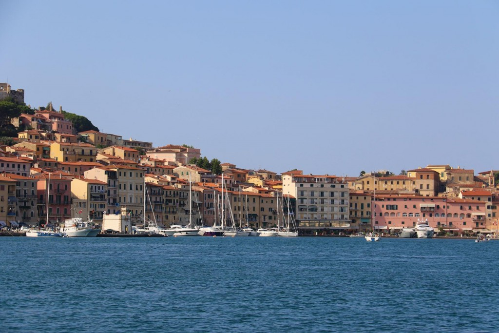 From the bay we have a wonderful view of Portoferraio