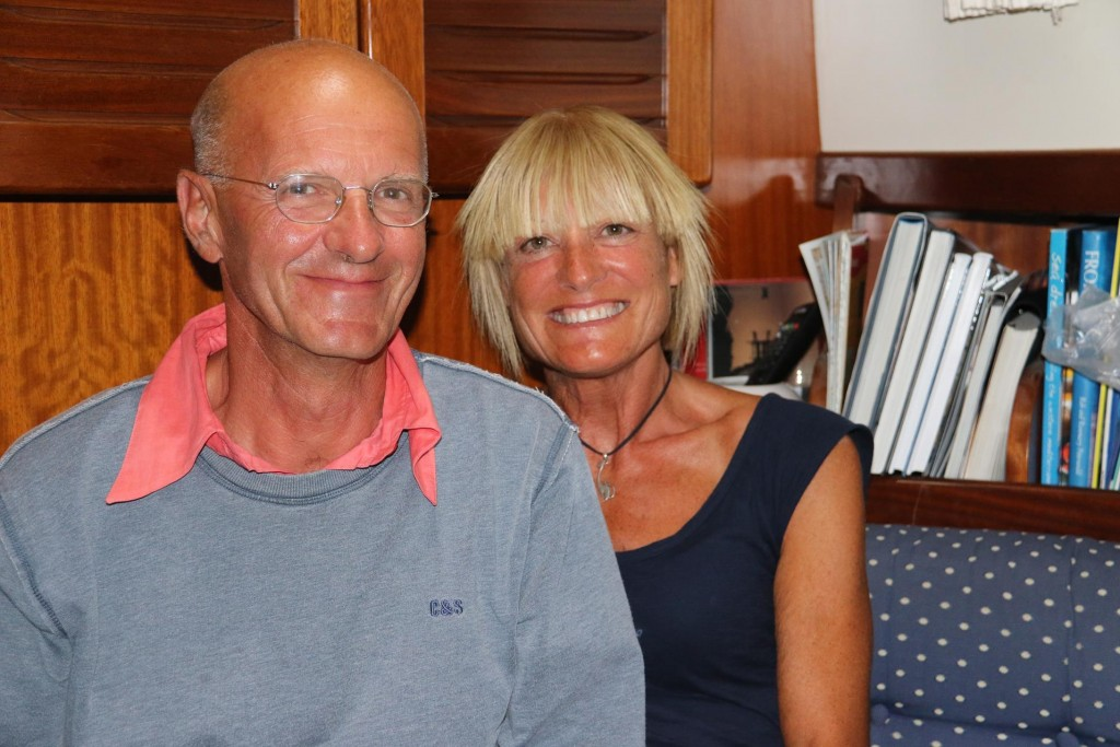 In the evening we meet a delightful Italian couple who joined us for a drink aboard the Tangaroa. Michele & Elena who were moored a couple  berths along from us, were heading back to Pisa where they leave their boat