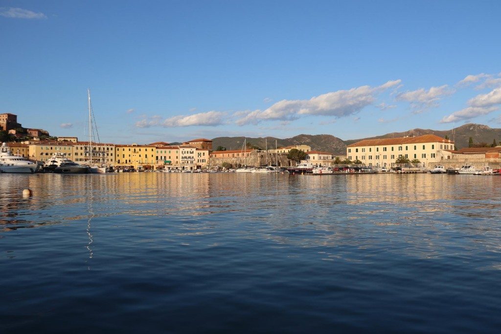 After around 20 minutes we arrive at the beautiful old port