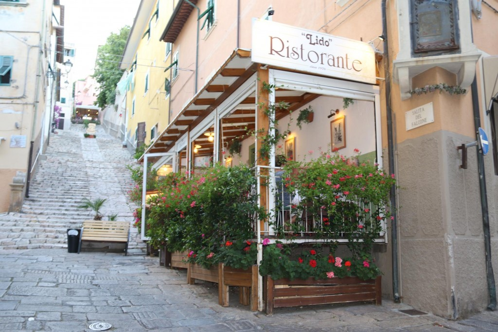 Tonight we dine at Ristorante Lido which is supposed to be one of the better restaurants in town