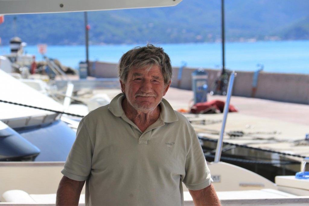 Goodbye to the captain from the motor boat on our starboard side