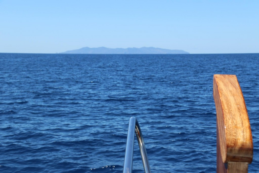 We finally leave Isola d'Elba and head north west towards the island of Capraia which will take us about 3 hours of motoring