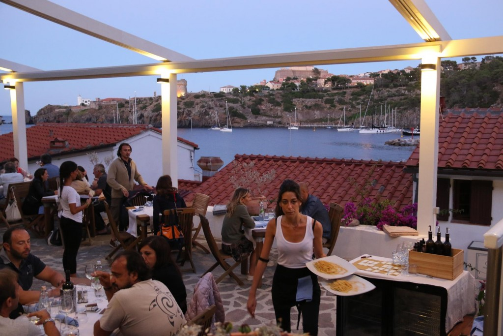 What a pleasant surprise it was to be lead to a table in the restaurant which was again up another level, outside in open air and with a wonderful view of the surrounding bay