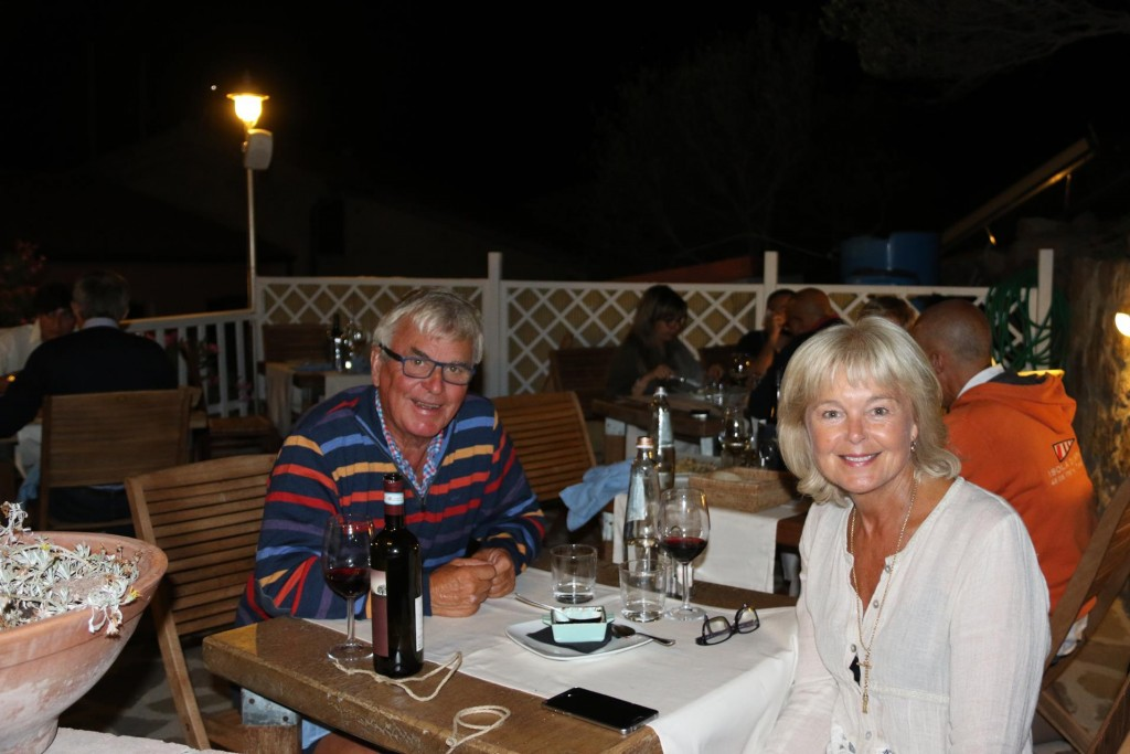 We were pleased with this delightful restaurant which was recommended to us. The food was fresh and good, the staff were efficient and friendly and the venue was certainly wonderful