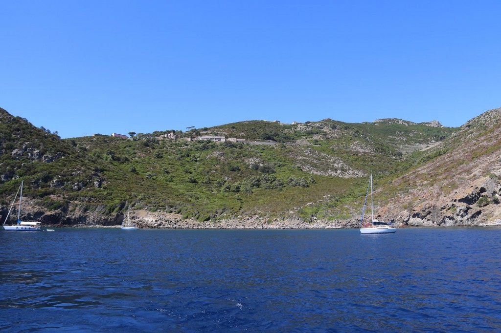 Just north of Capraia is another anchorage called Porto Vecchio which is an alternative to anchoring by the  town