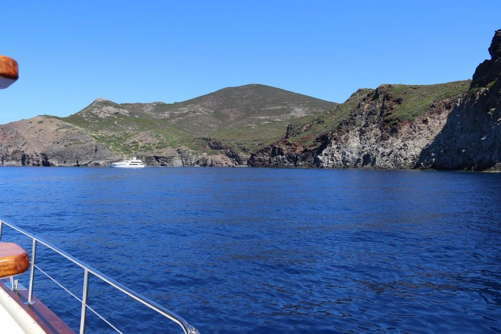 We continue around the Punta dello Zenobito  to Carla del  Moreto another  stunning anchorage