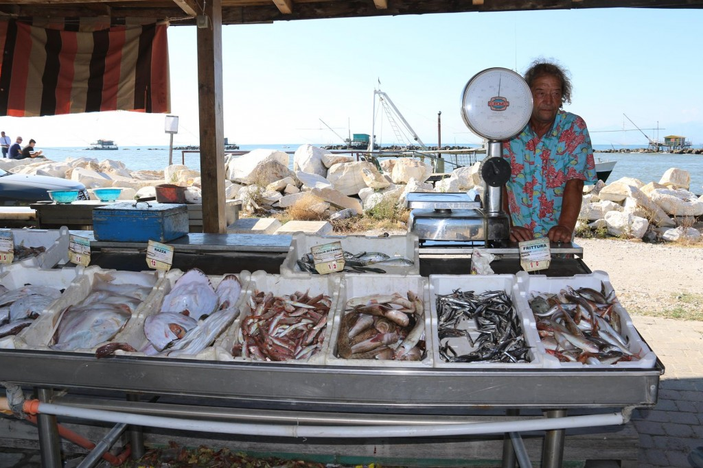 Nearby the fishermen sell their fresh hauls!!