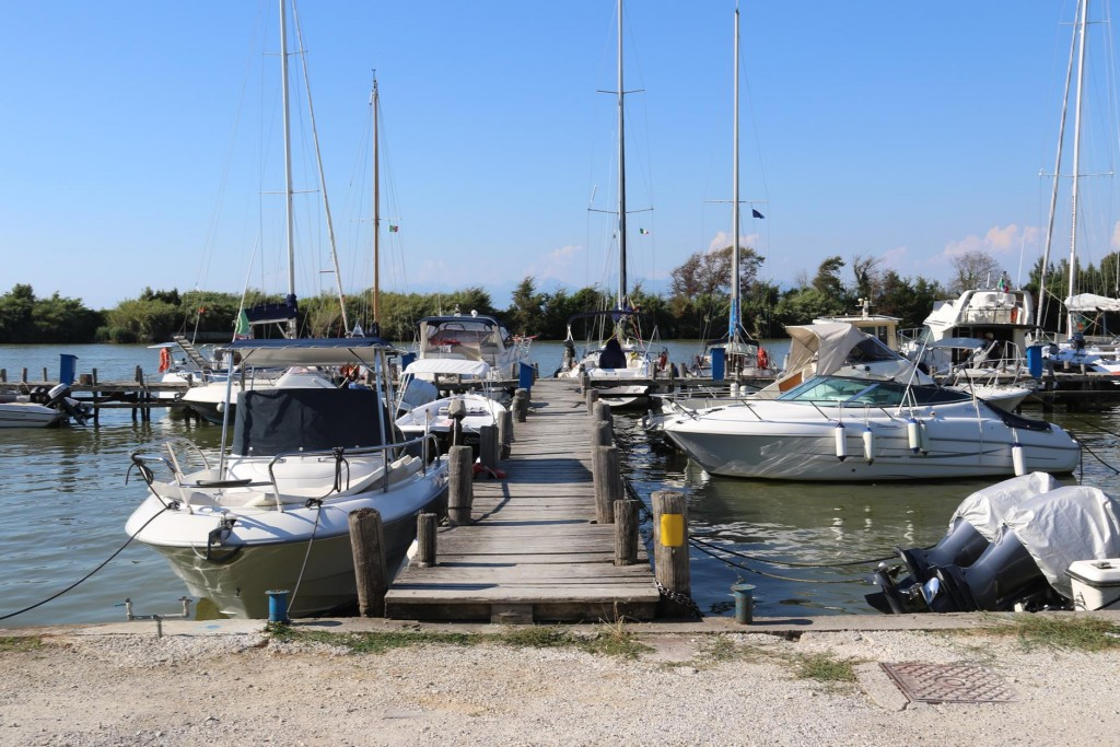 Ric was keen to then go to Marina di Pisa where the Arno river enters the sea. He had heard there were places here one could lift and storage boats over winter