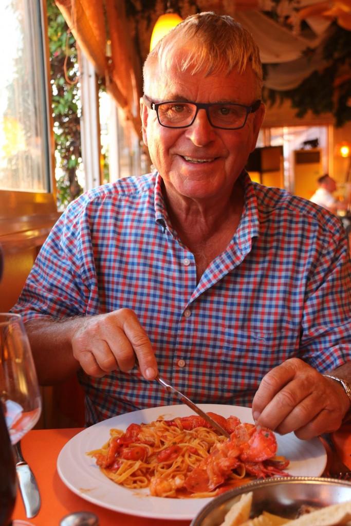 Ric orders the gamberi and pasta