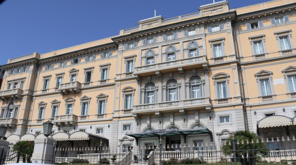 A grand hotel!!