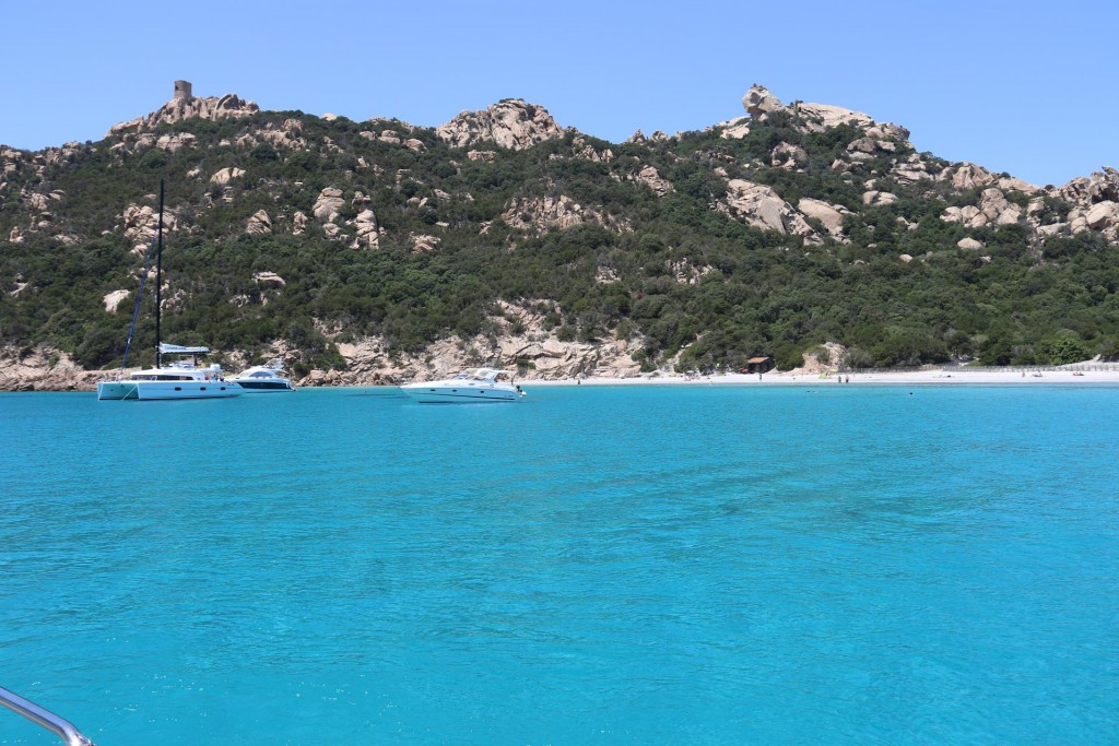 This really beautiful small bay is ideal for us to stop and have a swim, relax  and some lunch