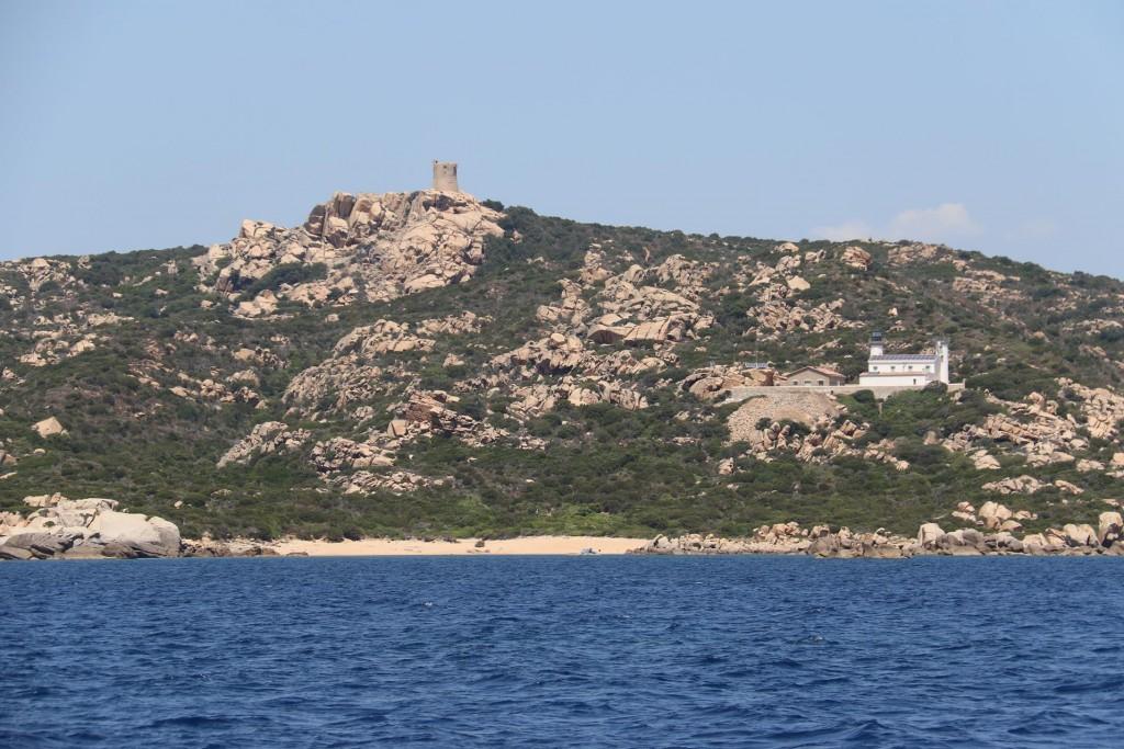 Scogliu Longu is an anchorage behind Pointe de Senetosa