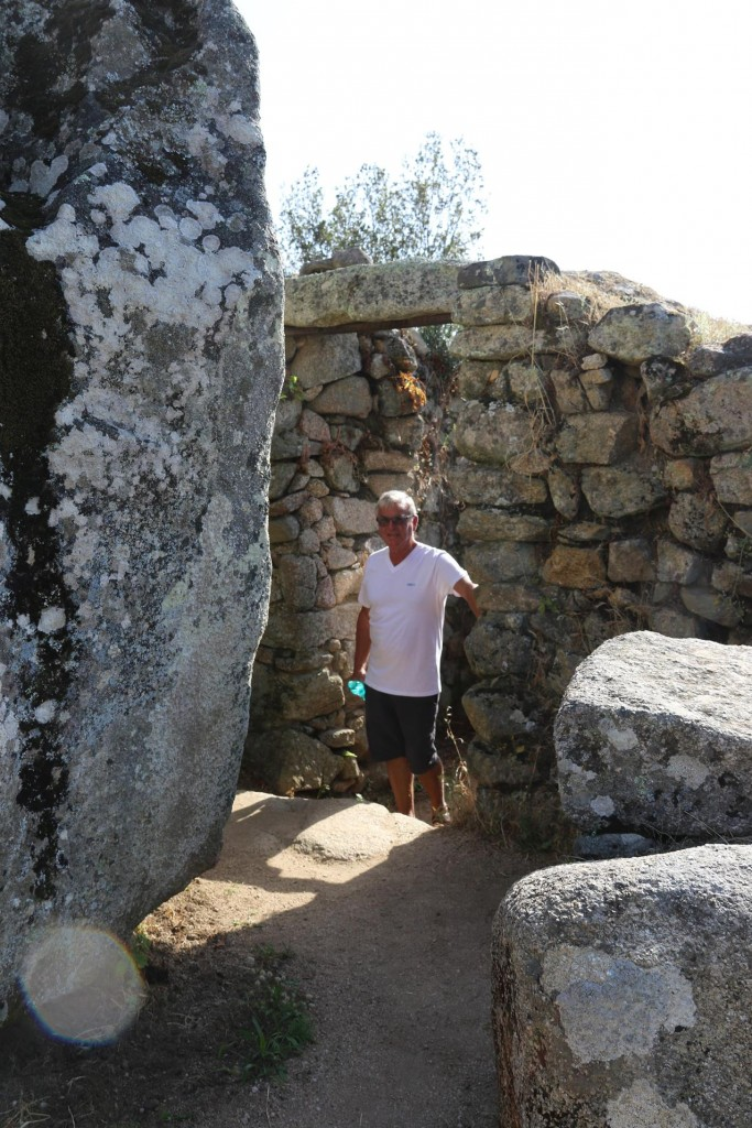 Ric in the western monument which was a complex wih small corridors