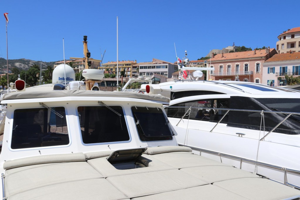We have decided to spend another night in the marina in Calvi