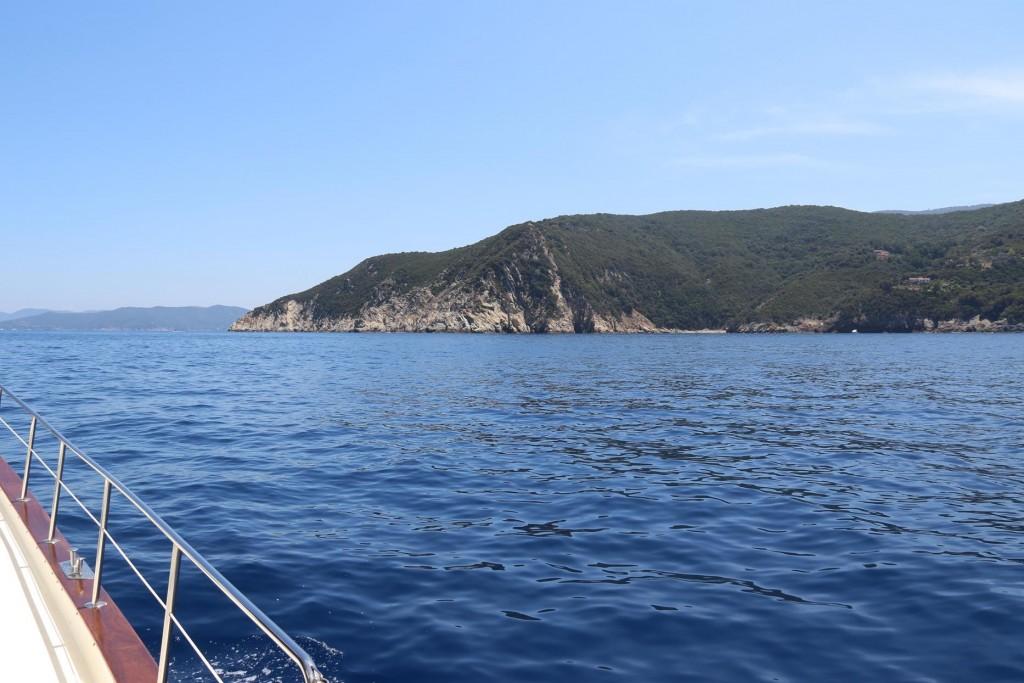 Still wonderful calm conditions as we approach Punta Del  Nasuto