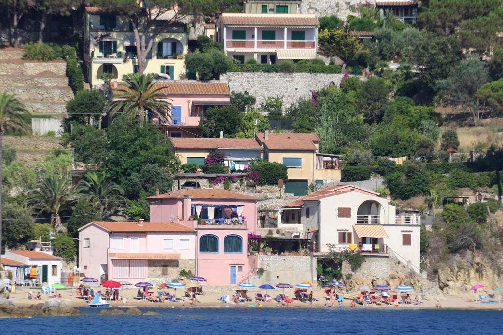 We pass the wonderful homes on Forno Beach in Golfo Della Biodola