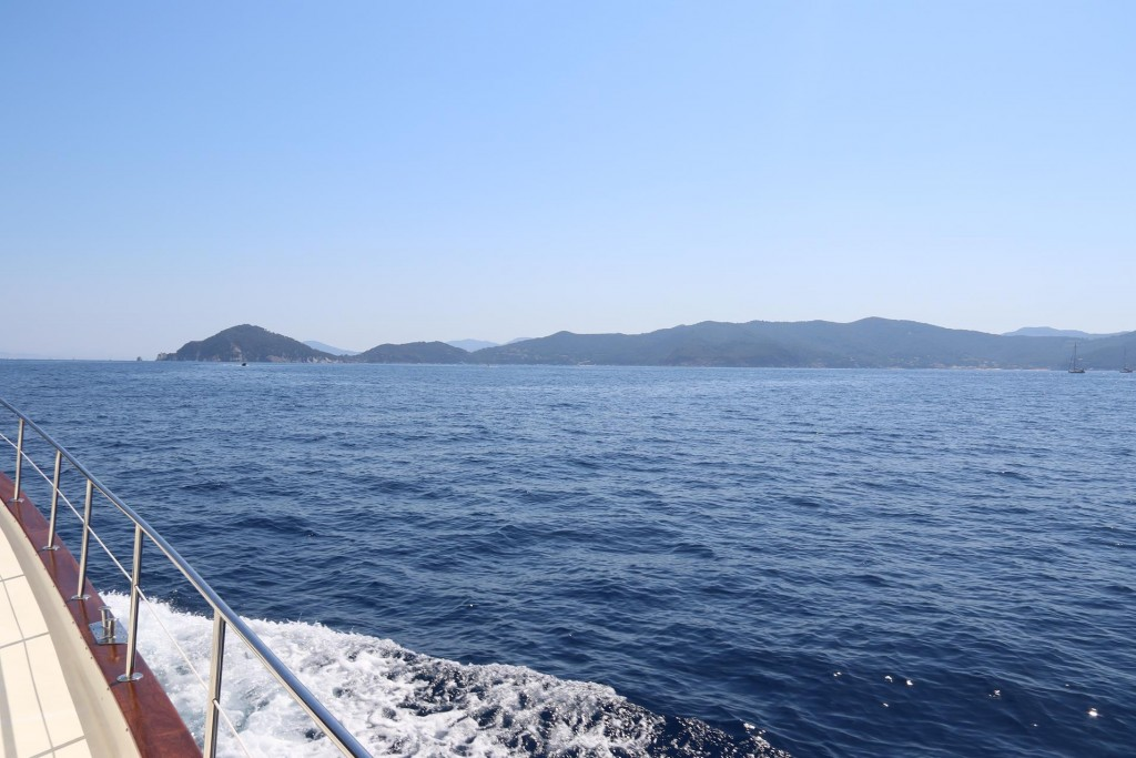 Crossing the large gulf where we have spent many days on anchor in lovely bays