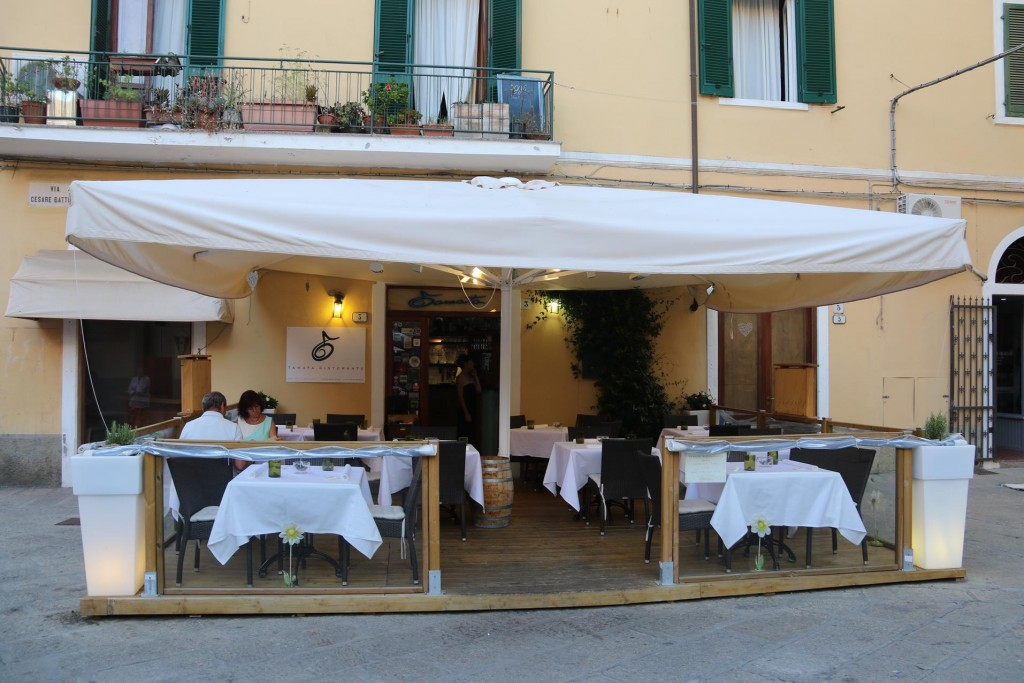 We arrive at Ristorante Tamata which Ric had booked the day before
