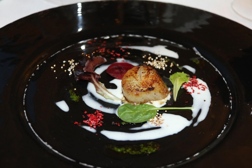 Scallops served with Thai sauce