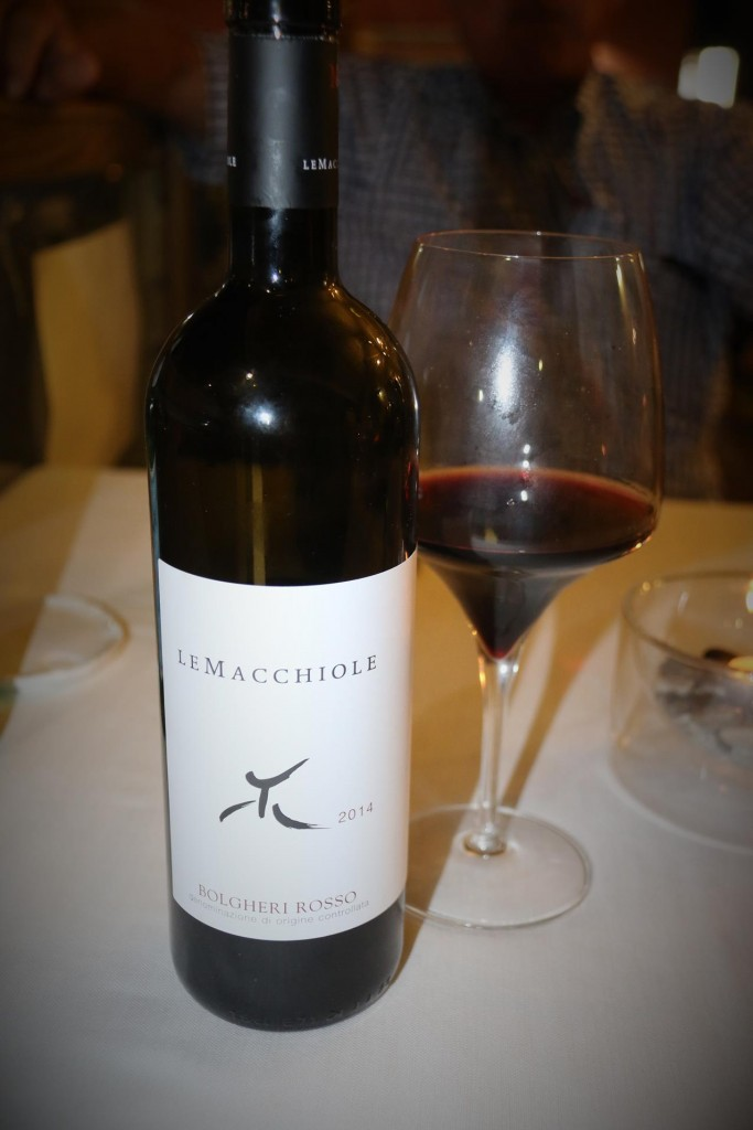 Ric orders some nice vino rosso