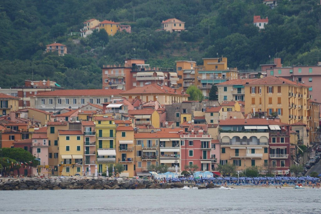 Ferries depart regularly from Lerici to go Portovenere and he Cinque Terre