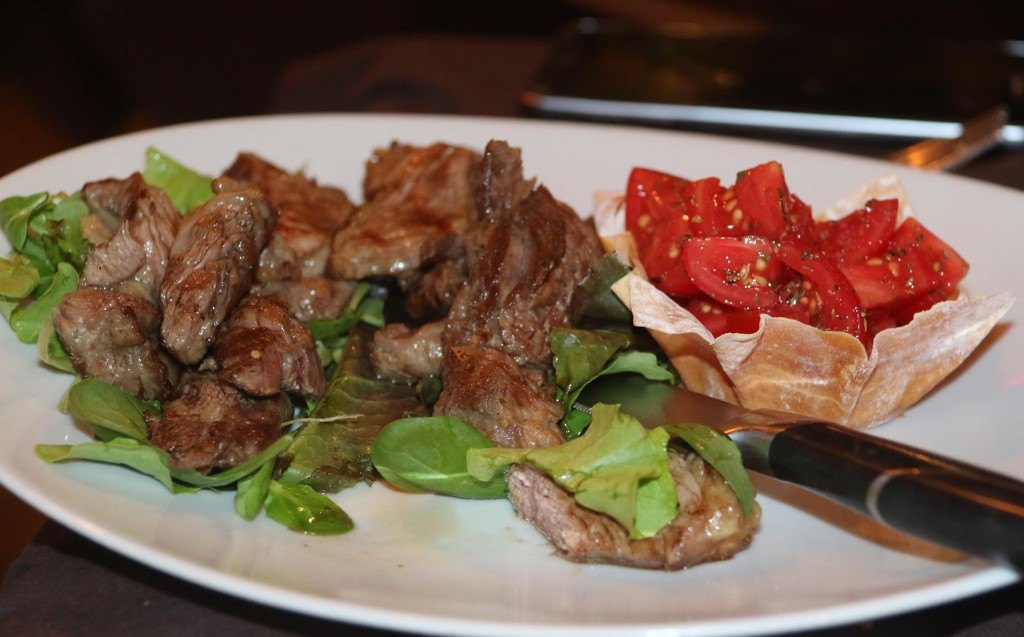Ric enjoys the 'Sliced Grilled Beef with Tomato'